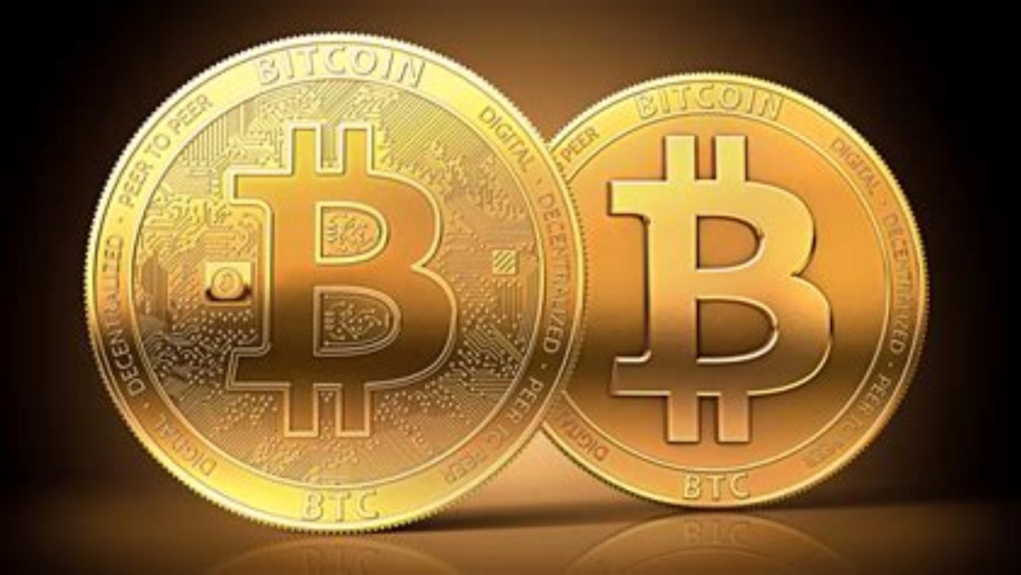 Il bitcoin pronto all'«halving»: saranno dimezzati i compensi per i miners