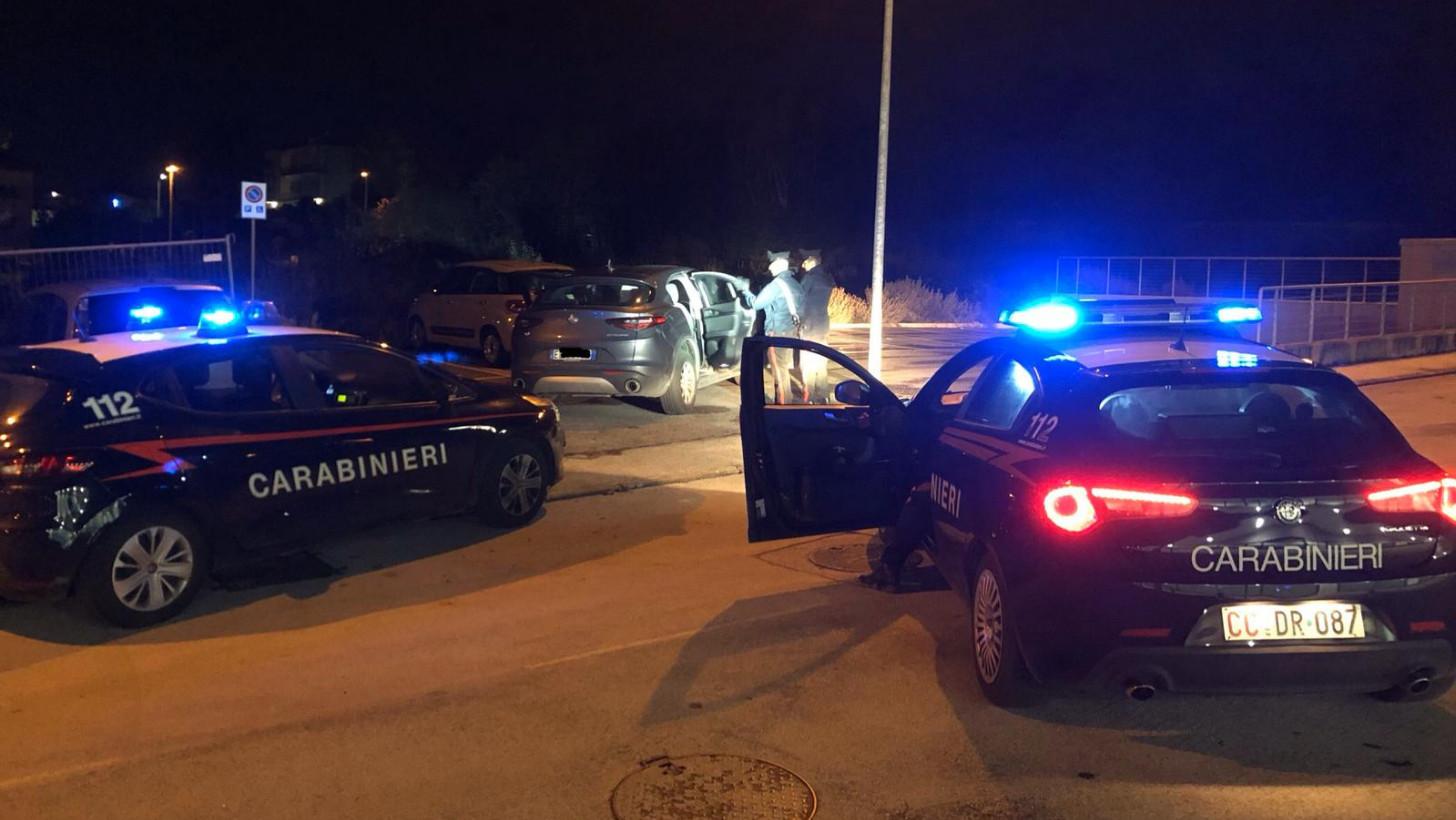 Falconara: intercettata auto rubata a Senigallia, i ladri inseguiti dai carabinieri l'abbandonano e fuggono per i campi - Vivere Senigallia